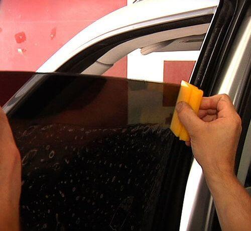 Factors Deciding the Cost of Car Tinting Deal