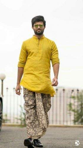 Diwali Special: Latest 5 Types of Ethnic Wear That Men Should Know for Festive Looks
