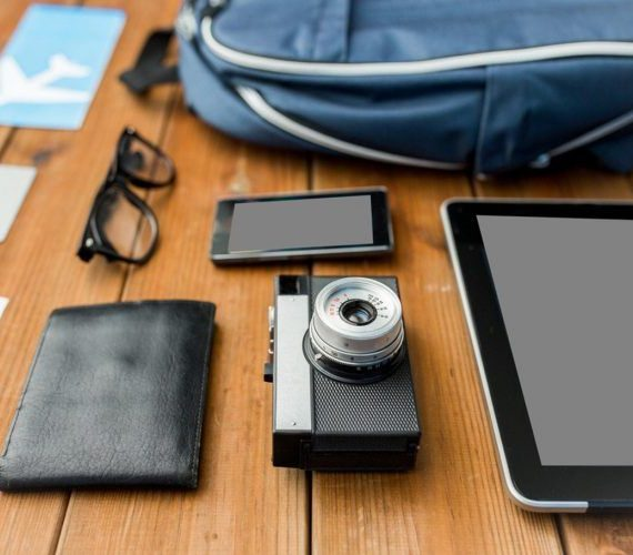 5 Must-Have Gadgets for Frequent Travelers