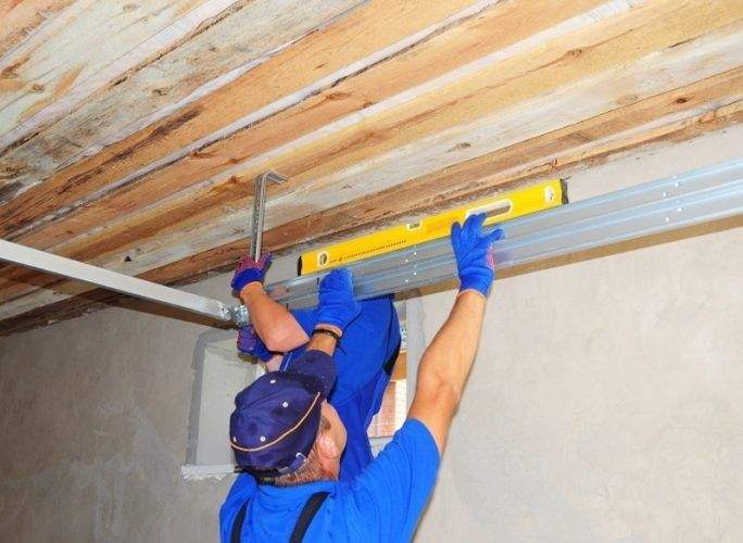 Hire the Right Person For your Garage Door Repairs Needs