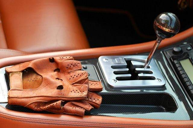 4 Hacks to Keep your Car Interior Clean
