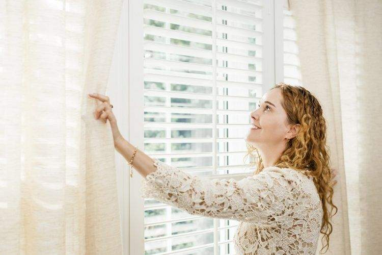 A Basic Guidebook for Blinds and Awnings Installation