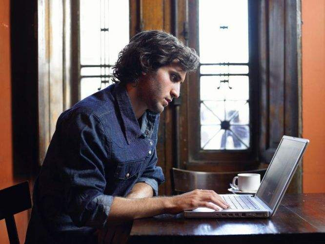 Why is Online Dating So Hard for Men?