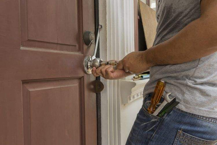 Unusual Hours Lock Out Crisis – Emergency Locksmith Services Are Here