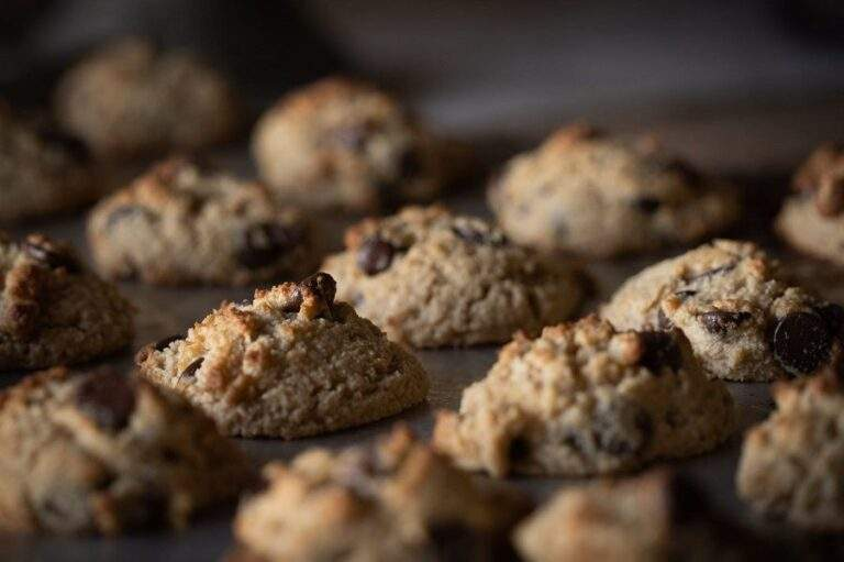 How to make Chocolate Chip Cookies – Eggless at home