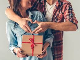 Marriage Anniversary Gifts for Gifting Your Spouse Every Year