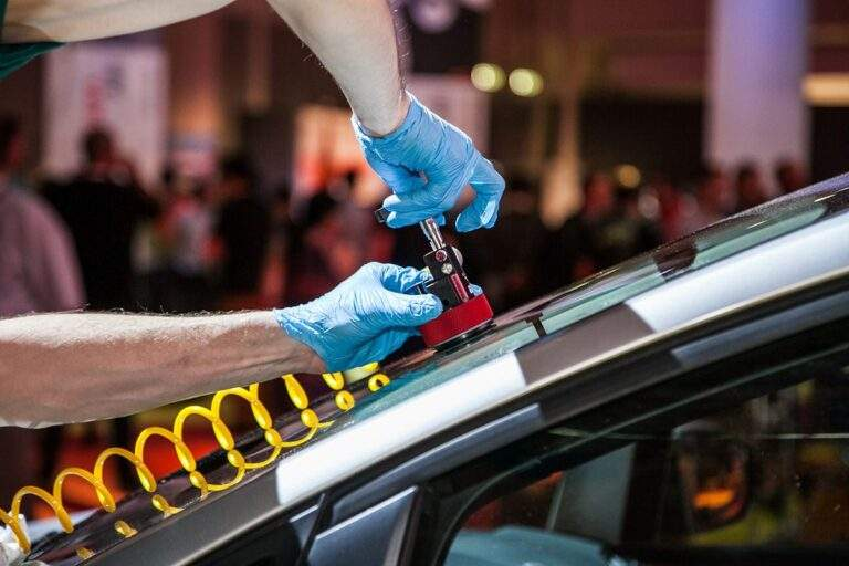 Hire The Professionals For Auto Glass Supply Services