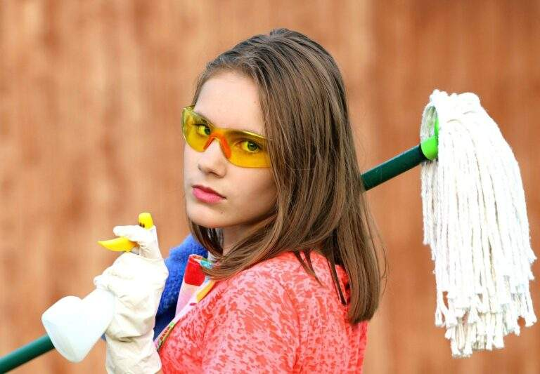 Tips For Deep Cleaning Your New Home Before Moving In