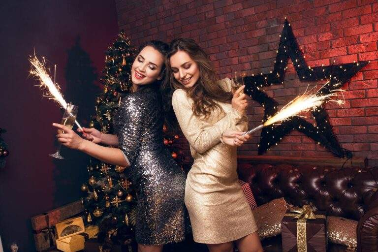 Which Christmas Party Dresses Can Impress Customers – Helpful Guide