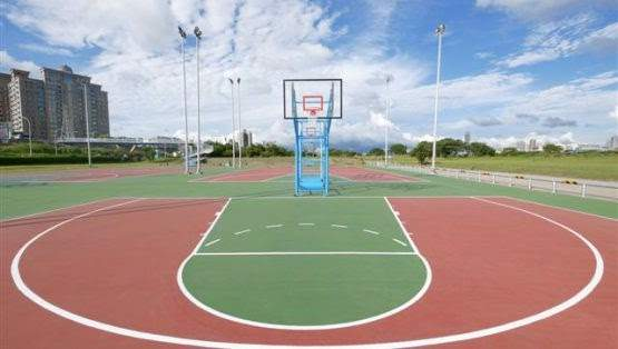 Pros and Cons of Rubber Sports Flooring