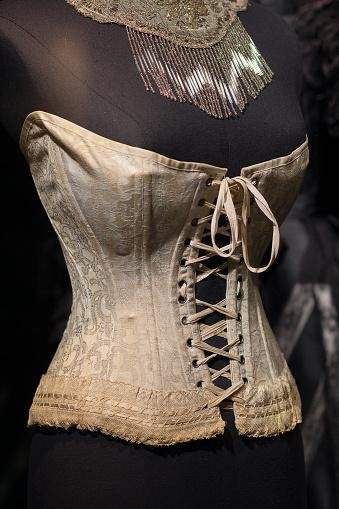 10 Myths About Corsets That You Need To Know About