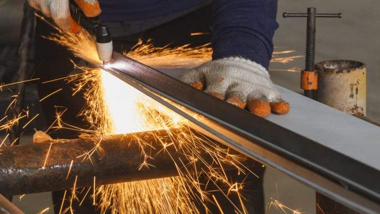 8 Things To Consider While Buying A Plasma Cutter
