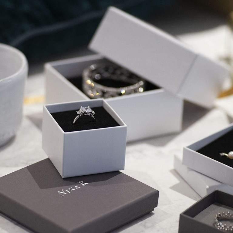 Custom Rigid Boxes For Featuring Minimalist Makeup Kits