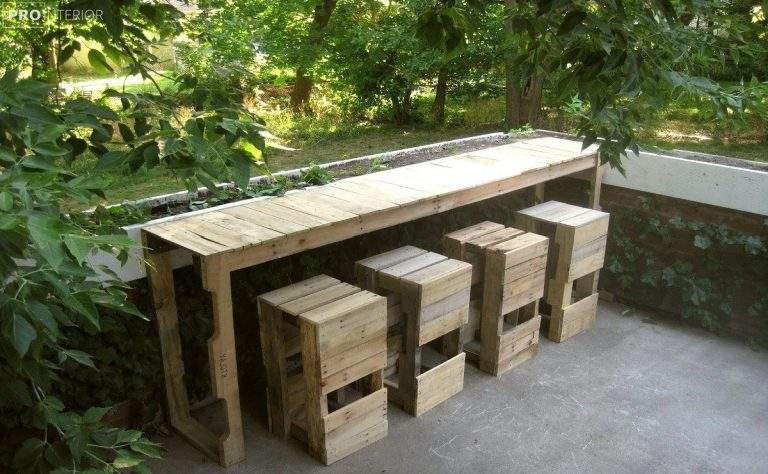 Furniture For Summer Cottages Which Can be Made using Pallets