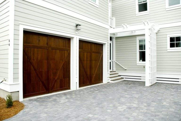 Why You Should Leave Garage Door Repair Or Installation To The Professionals