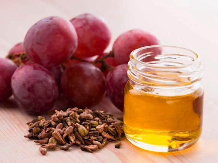 Benefits of Grapeseed Oil : High Concentration of Vitamin E for Skin Health