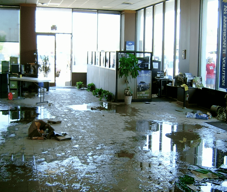 Why Should You Contact Experts Service for Water Damage