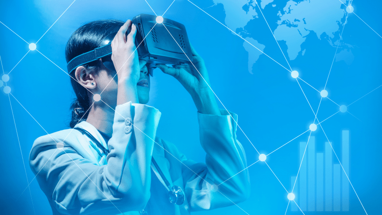 How Augmented Reality can Reshape the Future of Enterprises