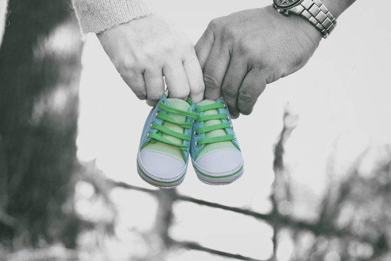 Do's and Don'ts to Help the New Parents in Your Life